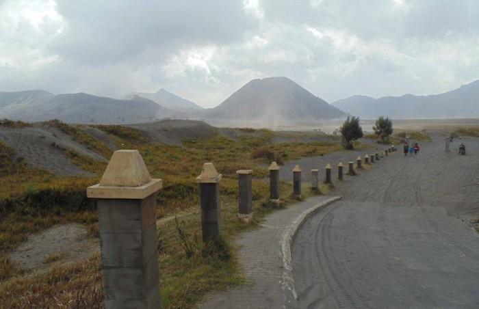 jalan-menuju-gunung-bromo-960x620